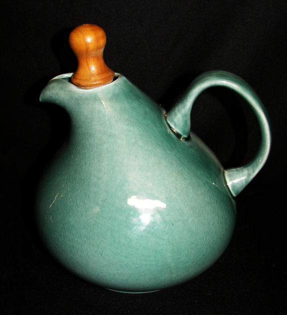 Stoppered Carafe & American Modern Dinnerware by Russel Wright