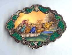 Sterling Silver Italian Figural Compact w/ Scalloped Shape featuring Chariot of the Gods ~ Jeweled Clasp ~