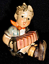 Hummel Accordion Boy - Click for Enlarged Image