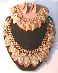 Hobe' Glitzy Crystal & Pearl Parure